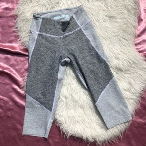 Outdoor Voices SZ XS Cropped Leggings Grey